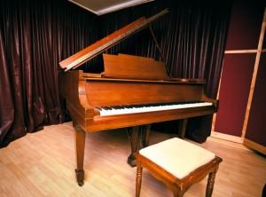 Nashville Recording Studio Steinway Baby Grandpiano